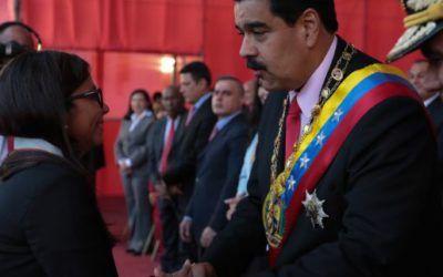 FANB condecora a la canciller Delcy Rodríguez por su labor en defensa de la patria