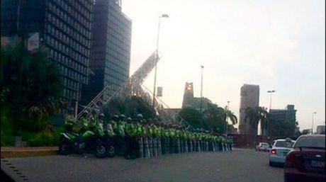 GN en Plaza Venezuela Crédito Twitter- El Nacional