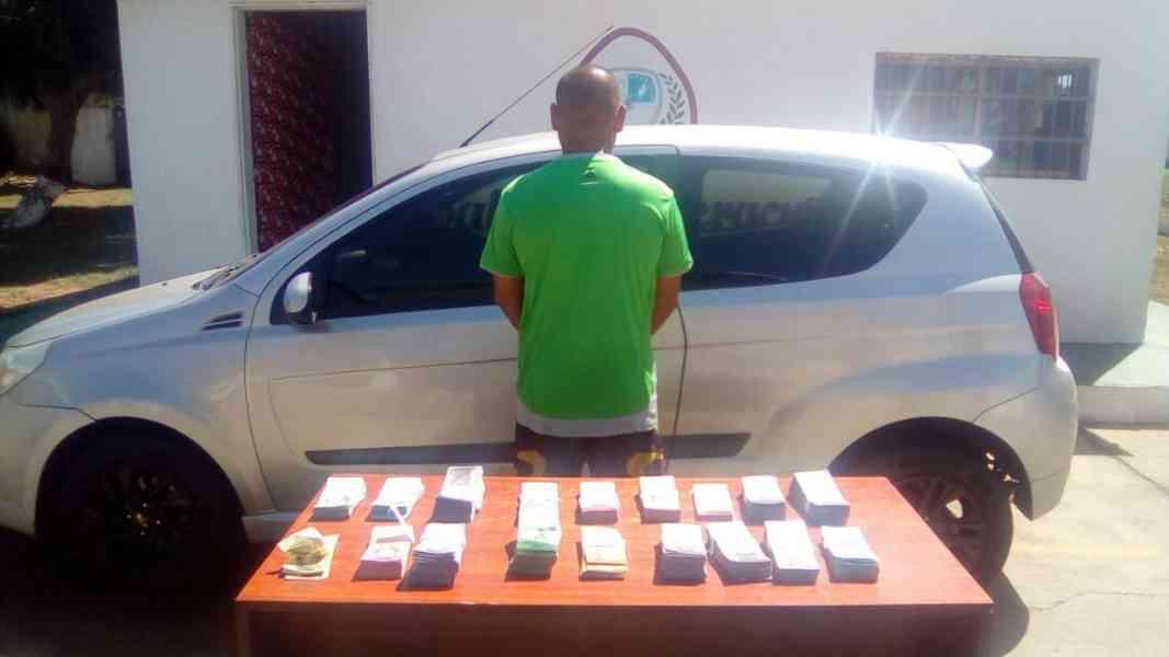 GNB detiene a sujeto con más de 14 millones de bolívares en billetes