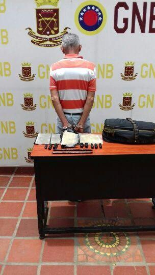 Antidrogas y CZGNB-21 capturan a dos ciudadanos por tráfico de drogas