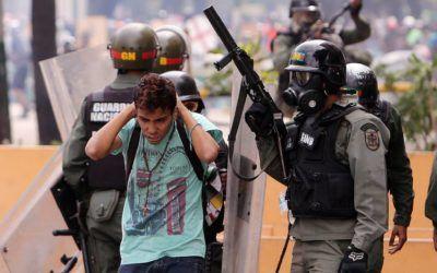 ONG: Juicios militares a civiles violan Constitución y derechos humanos