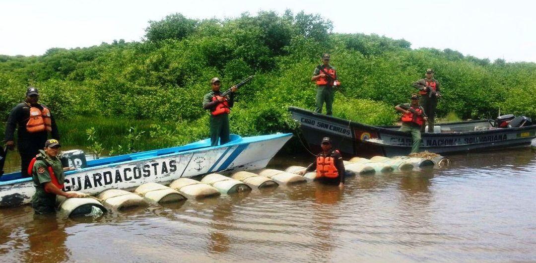 Incautan 44.200 litros de combustible en el río Limón