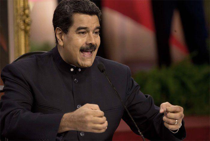Maduro ordena reforzar seguridad militar en frontera con Colombia