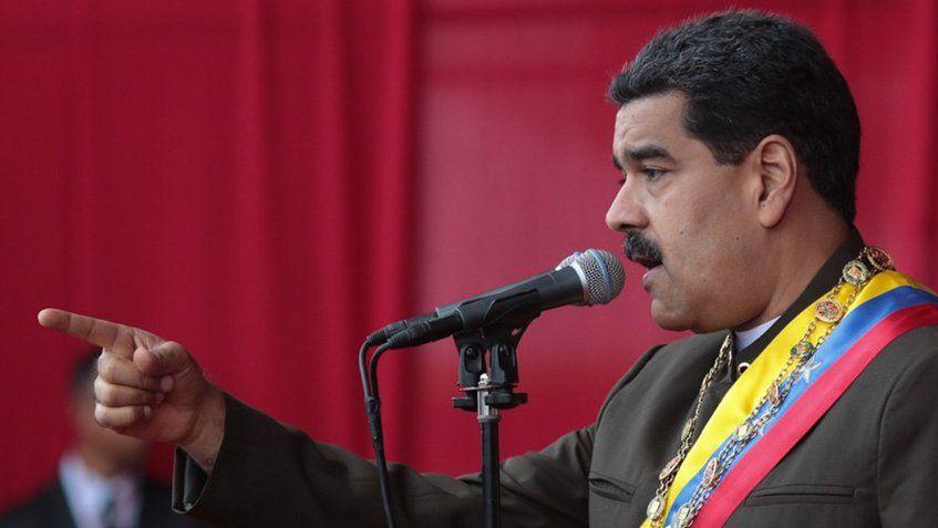 Maduro instó a la FANB a prepararse en métodos de combate no tradicional para enfrentar insurgencia armada #4Ago