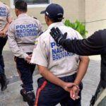policias-detenidos-credito-el-universal