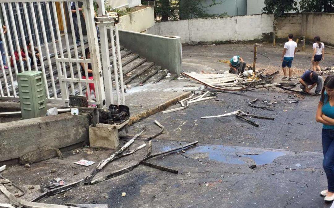 GNB y paramilitares atacaron edificios en El Paraíso con rostros cubiertos con pañuelos
