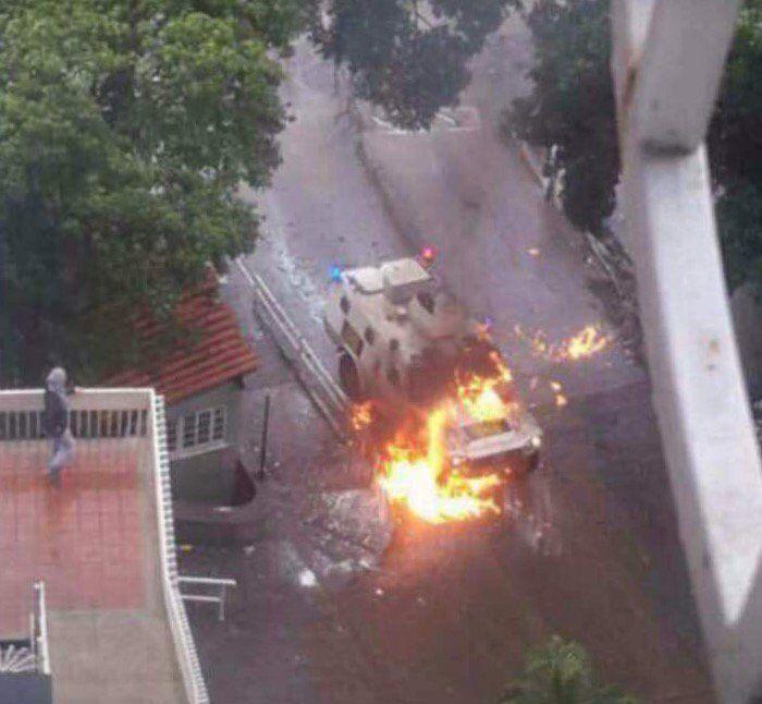 Tanqueta de la GNB resultó quemada tras disturbios en El Paraíso